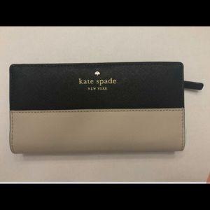 Kate spade medium sized wallet